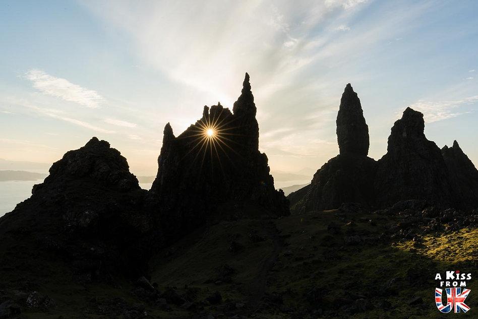 Le Old Man of Storr sur l'île de Skye - Les plus beaux paysages d'Ecosse. Découvrez quels sont les plus beaux endroits d'Ecosse et les plus belles merveilles naturelles d'Ecosse avec A Kiss from UK, le guide et blog du voyage en Grande-Bretagne.