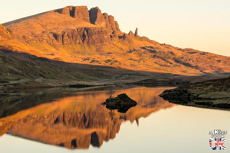 le Old Man of Storr – Visiter l'île de Skye en 4 Jours – Découvrez un itinéraire de road trip en Ecosse pour passer 4 jours sur l'île de Skye - A Kiss from UK le guide et  blog voyage Ecosse.