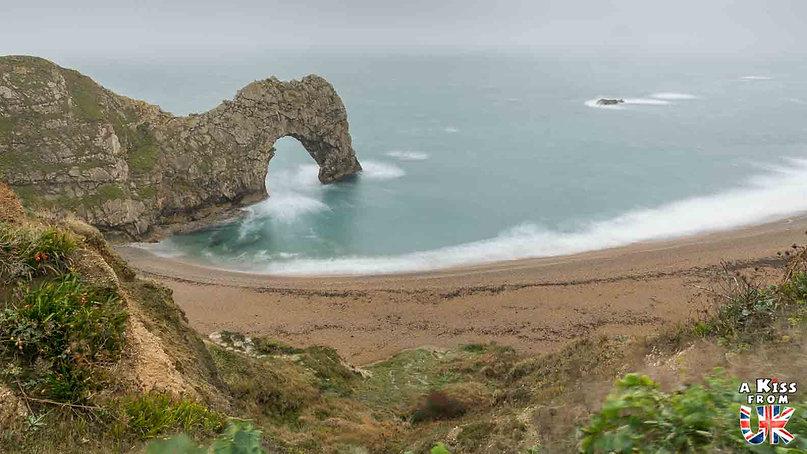 Durdle Door dans le Dorset - Visiter l'Angleterre : les incontournables ! - 25 endroits à voir absolument en Angleterre en dehors de Londres - A Kiss from UK, le guide et blog du voyage en Grande-Bretagne.