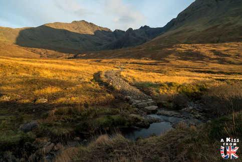 Fairy Pools - Que faire et que voir sur l'île de Skye en Ecosse ? Visiter les plus beaux endroits de l'île de Skye avec notre guide complet.
