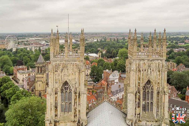 La Cathédrale d'York - Visiter l'Angleterre : les incontournables ! - 25 endroits à voir absolument en Angleterre en dehors de Londres - A Kiss from UK, le guide et blog du voyage en Grande-Bretagne.