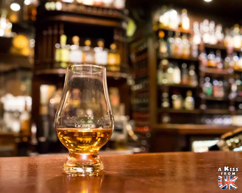 Le Whisky, la boisson écossaise à goûter pendant votre voyage en Ecosse.