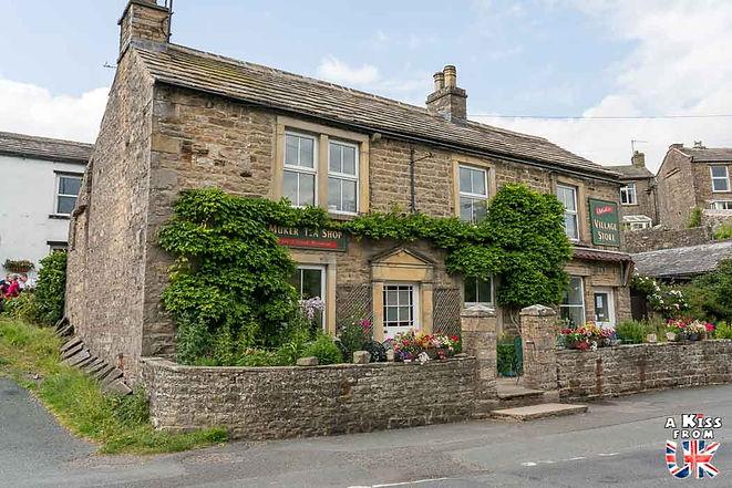 Le village de Muker dans le Yorkshire - Découvrez les 30 plus beaux villages de Grande-Bretagne. Le classement des plus beaux villages d'Angleterre, d'Ecosse et du Pays de Galles par A Kiss from UK