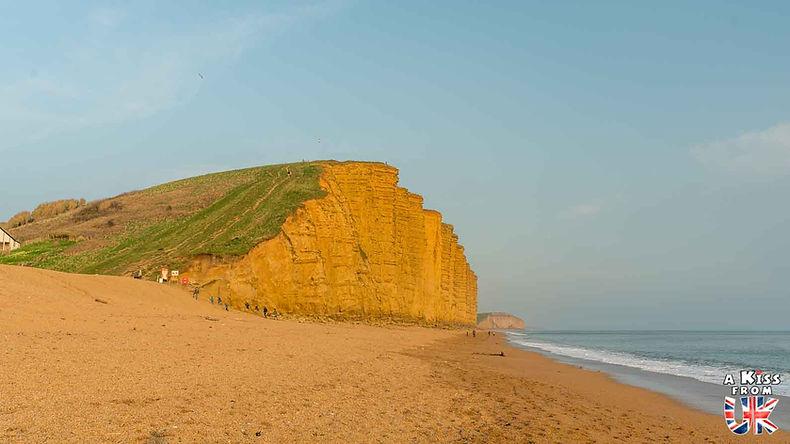 West Bay dans le Dorset - Découvrez les plus beaux paysages d'Angleterre avec notre guide voyage qui vous emménera visiter les plus beaux endroits d'Angleterre.