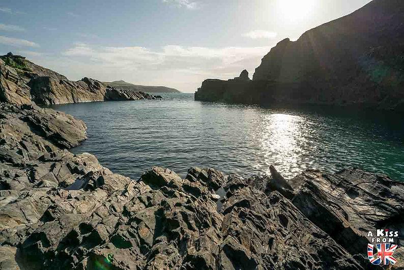 Blue Lagoon dans le Pembrokeshire - Que voir dans le Pembrokeshire au Pays de Galles ? Visiter le Pembrokeshire avec A Kiss from UK, le guide et blog voyage en Grande-Bretagne.