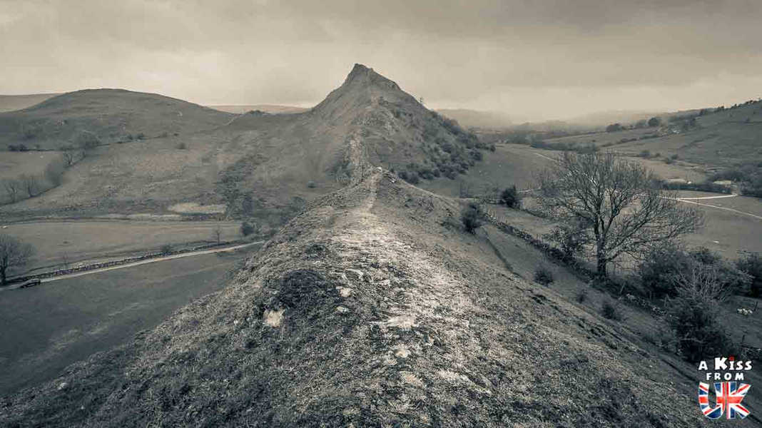 Chrome Hill - A faire et à voir absolument dans le Peak District en Angleterre. Visiter les plus beaux endroits du Peak District avec notre guide complet.