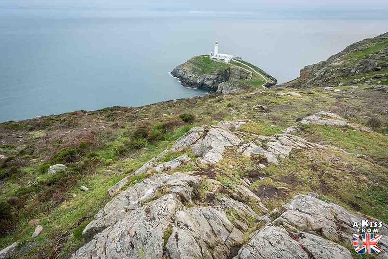 Le phare de South Stack sur l'île d'Anglesey au Pays de Galles - Que voir sur l'île d'Anglesey au Pays de Galles ? Visiter l'île d'Anglesey avec A Kiss from UK, le blog du voyage en Grande-Bretagne.