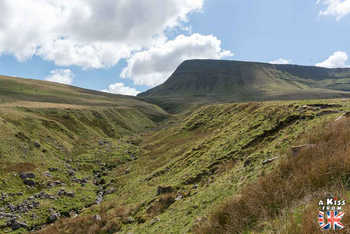 Llyn y Fan Fach - Que voir dans les Brecon Beacons au Pays de Galles - Visiter les Brecon Beacons avec A Kiss from UK, le guide et blog du voyage en Ecosse, Angleterre et Pays de Galles.