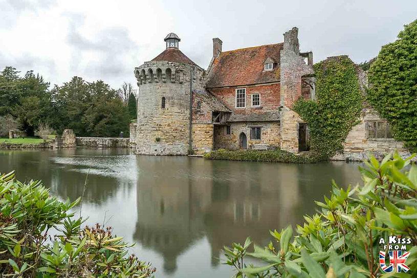 Scotney Castle dans le Kent en Angleterre - Les plus belles ruines de Grande-Bretagne. Découvrez quels sont les plus beaux lieux abandonnés d'Angleterre, d'Ecosse et du Pays de Galles avec A Kiss from UK.