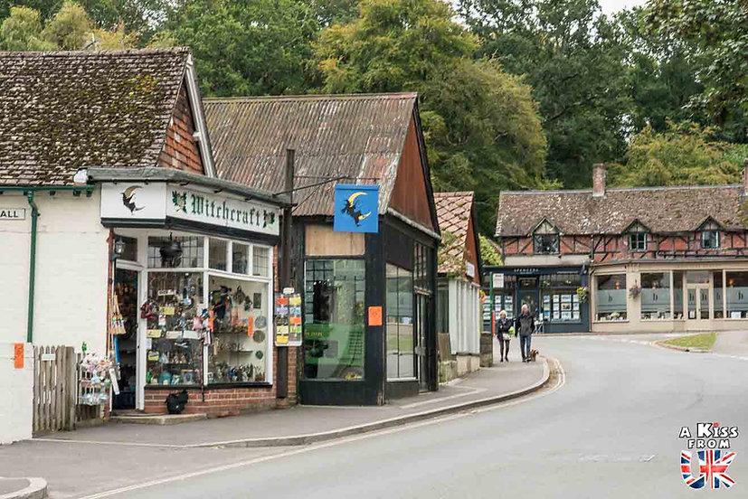 Burley - Que faire dans la New Forest en Angleterre ? Visiter les plus beaux endroits à voir dans la New Forest avec notre guide complet sur cette région - A Kiss from UK, le blog du voyage en Grande-Bretagne.