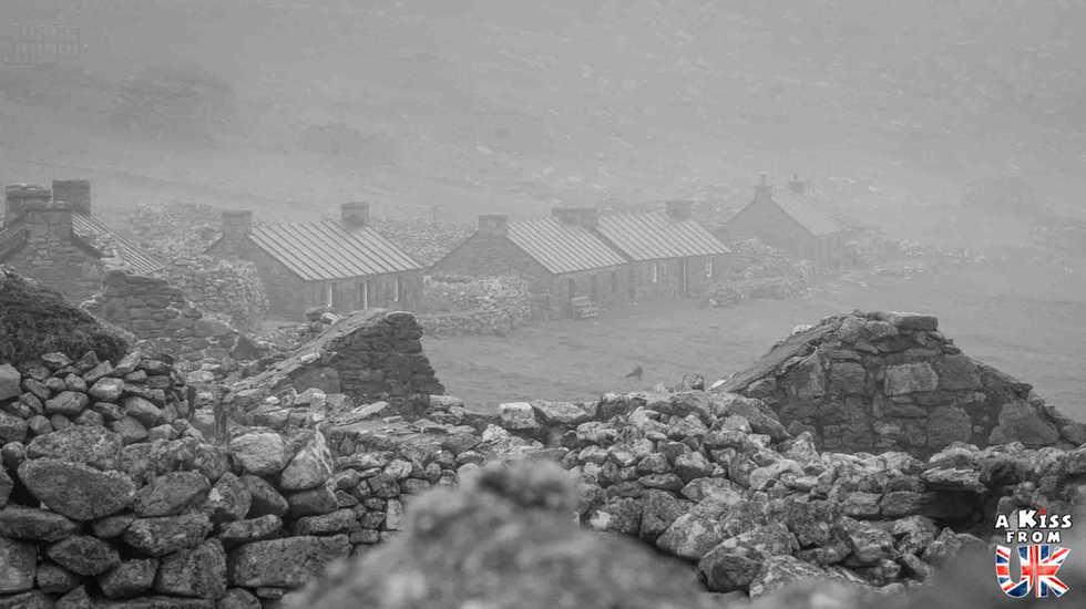 Le village de St Kilda en Ecosse - Visiter St Kilda, l'archipel le plus isolé d'Ecosse. Découvrez l'histoire, les paysages spectaculaires et la faune des îles de St Kilda dans les Hébrides Extérieures - A Kiss from UK, le guide et blog du voyage en Ecosse.