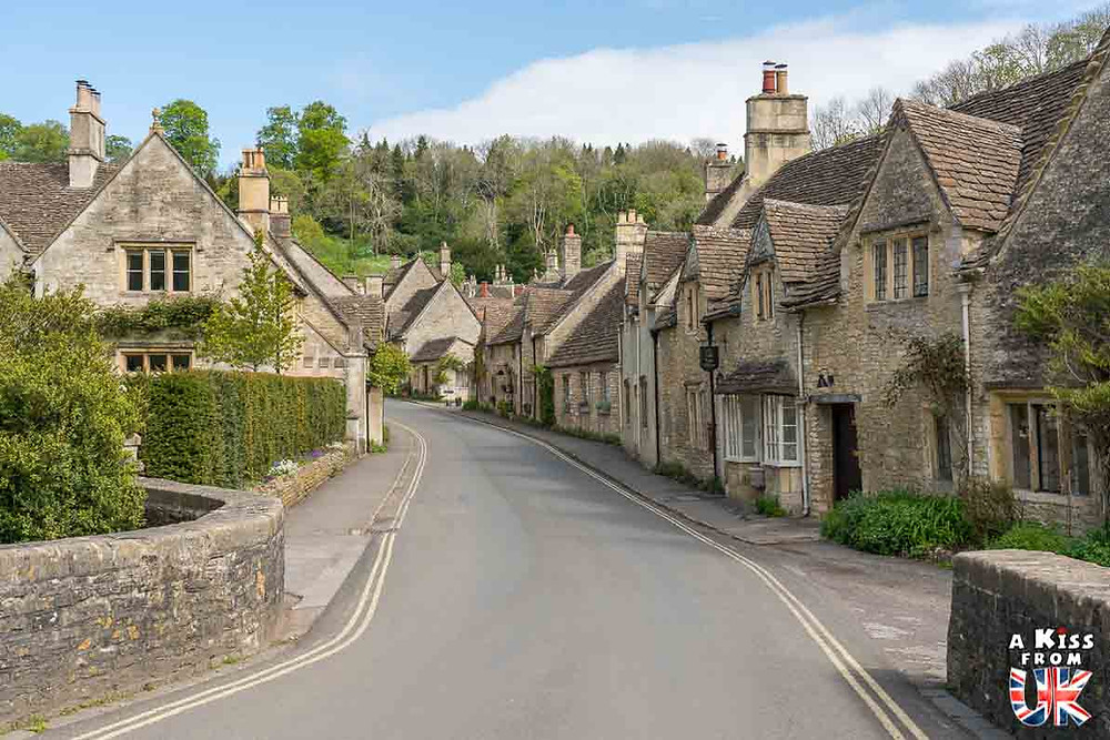 Visiter le village de Locronan dans le Finistère et se croire au milieu d'un beau village des Cotswolds en Angleterre | Visiter la Bretagne pour retrouver les paysages de Grande-Bretagne  | A Kiss fom UK