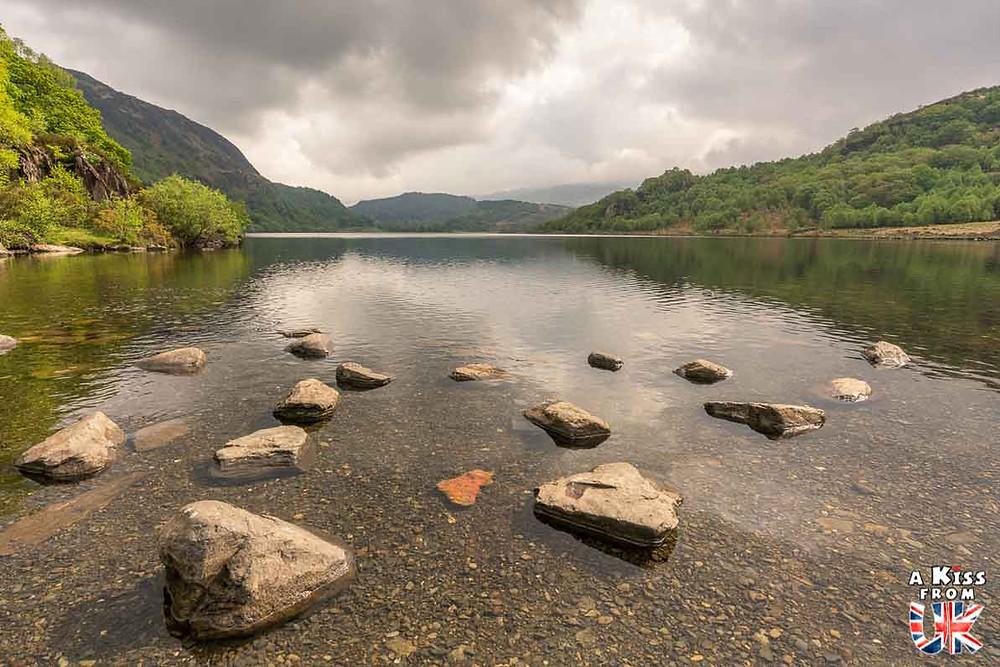 Llyn Dinas dans le Snowdonia - 15 photos qui vont vous donner envie de voyager au Pays de Galles après le Brexit ! - Découvrez les plus belles destinations et les plus belles régions du Pays de Galles en image.
