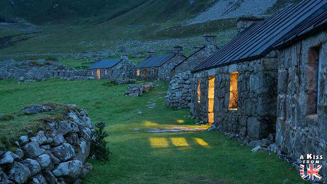Le village de St Kilda en Ecosse - Découvrez les 30 plus beaux villages de Grande-Bretagne. Le classement des plus beaux villages d'Angleterre, d'Ecosse et du Pays de Galles par A Kiss from UK