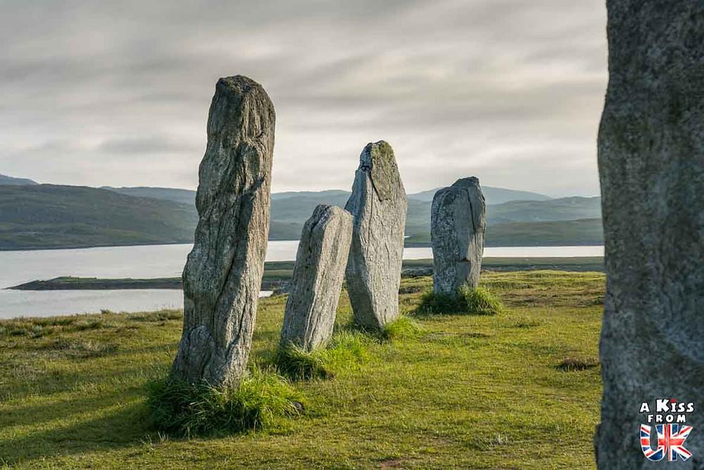 Visiter l'alignement de Lagatjar dans le Finistère et se avoir l'impression d'être sur le site des pierres dressées de Calanais sur l'île de Lewis et Harris en Ecosse | Visiter la Bretagne pour retrouver les paysages de Grande-Bretagne  | A Kiss fom UK