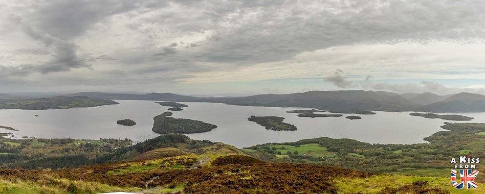 Conic Hill dans le Loch Lomond - Les plus beaux paysages d'Ecosse. Découvrez quels sont les plus beaux endroits d'Ecosse et les plus belles merveilles naturelles d'Ecosse avec A Kiss from UK, le guide et blog du voyage en Grande-Bretagne.