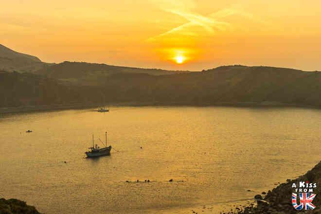 Lulworth Cove - Découvrez les plus beaux paysages d'Angleterre avec notre guide voyage qui vous emménera visiter les plus beaux endroits d'Angleterre.