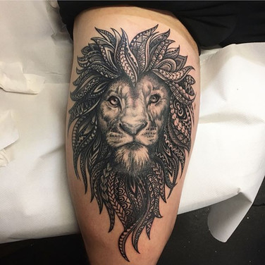 Got to finish this magnificent Lion piece for the awesome Tom today 🦁💪🏼 thank you Tom for your trust and allowing me to do what I love 💜🙏🏼 T