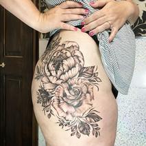 I had the wonderful pleasure of tattooing the beautiful miss Laura last week 😍🌸💜 ...jpg