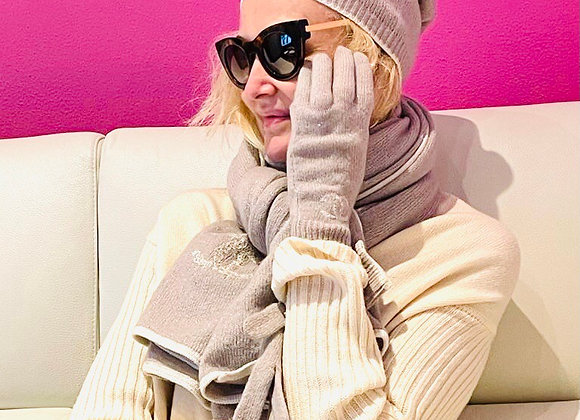 Chanel cashmire gloves new