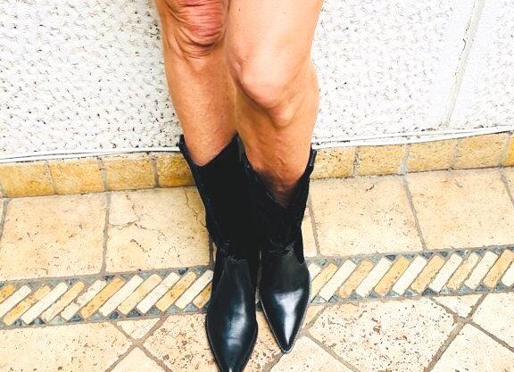 Chanel black cowboy boots size 39