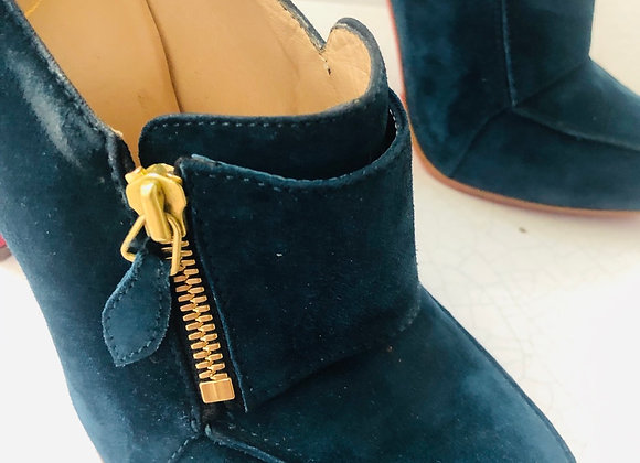 Loubotin green suede ankle boots