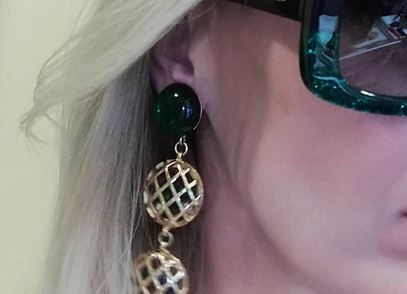 Chanel vintage earring ,dont heavy ,perfect condition