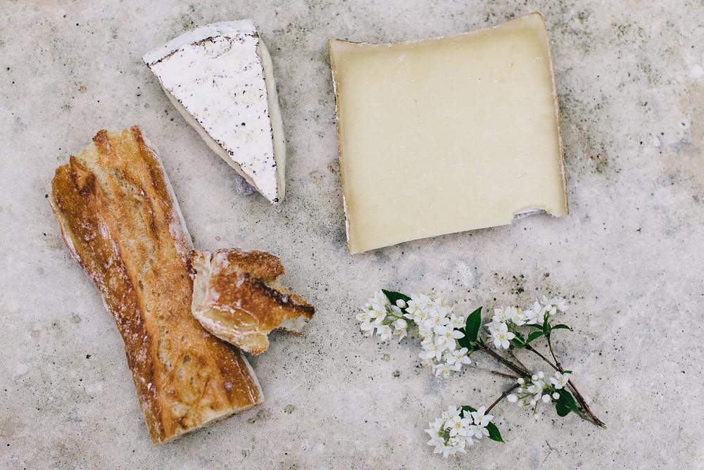 Plateau de fromage spécialité cuisine Auvergne-Rhône-Alpes