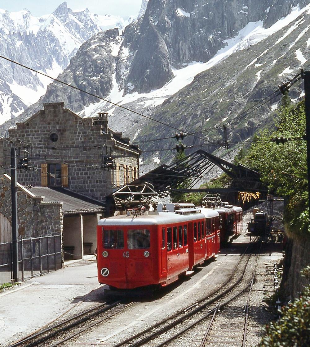 Train du Montenvers plus beau lieu à visiter tourisme dans la région Auvergne-Rhône-Alpes