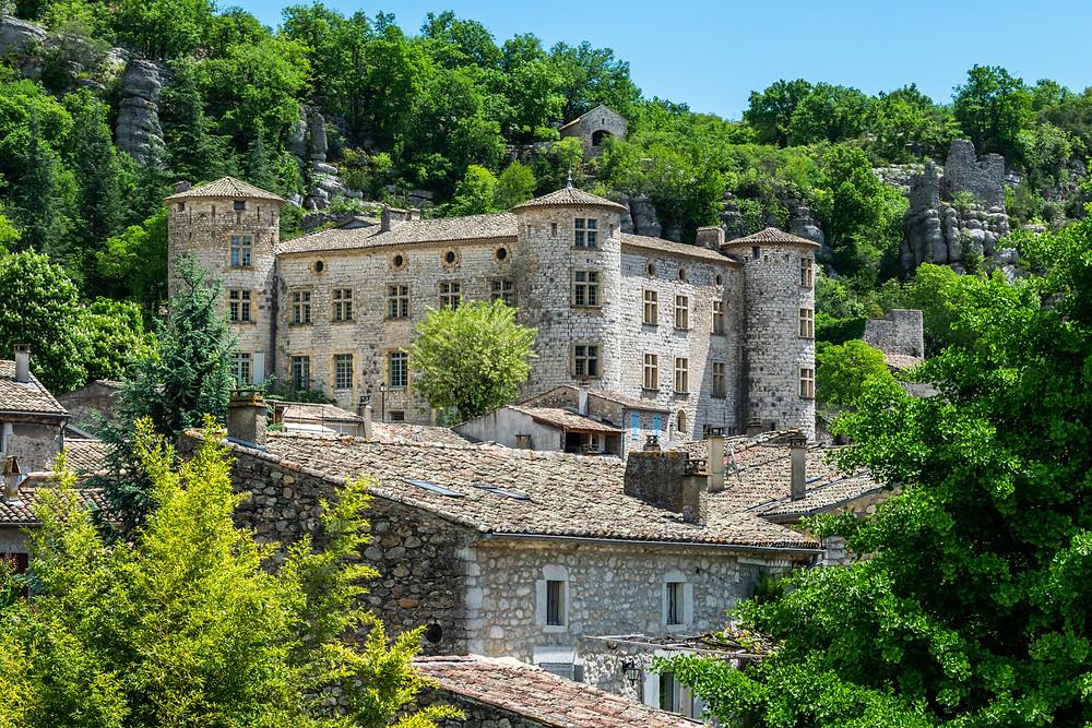 Village Vogüé et son château plus beau village d'Ardèche