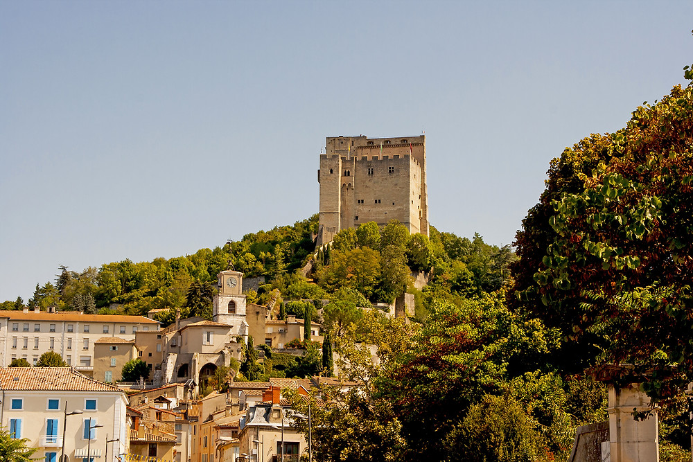 Tour de Crest Drôme destination accessible en train depuis Lyon et Valence