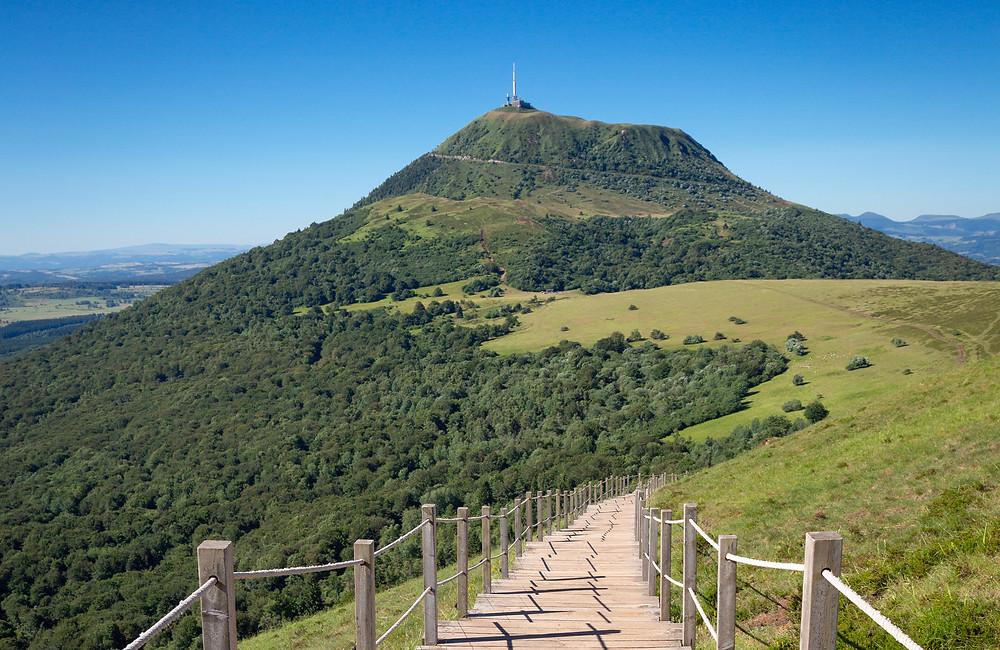 Puy pariou le plus beau point de vue sur le Puy de Dôme en Auvergne-Rhône-Alpes