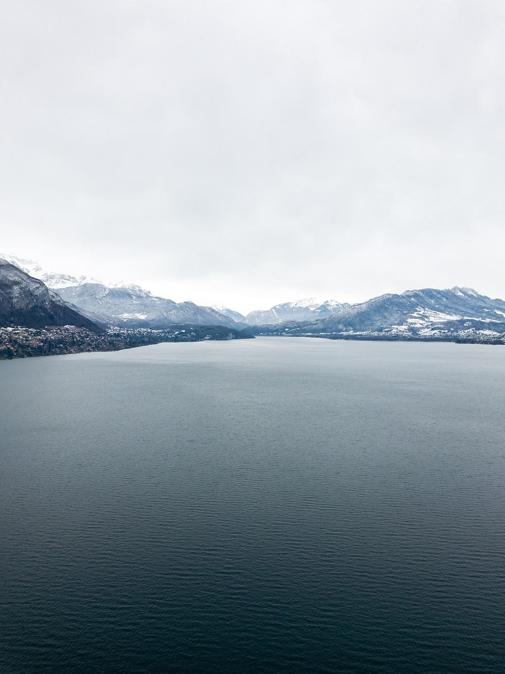 Lac d'Annecy plus beau lieu à visiter tourisme dans la région Auvergne-Rhône-Alpes