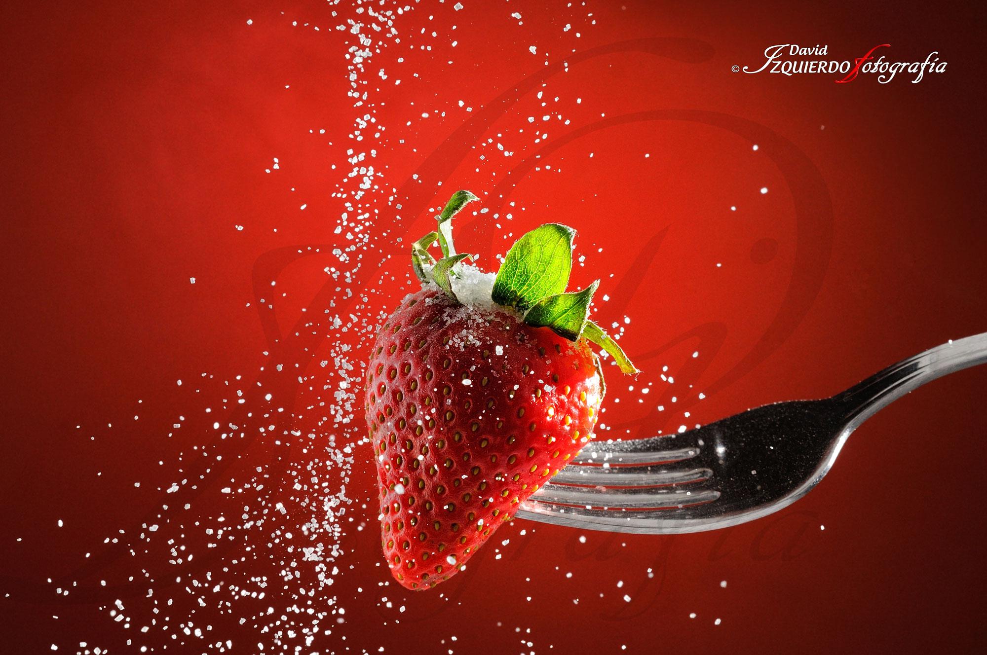 fresa rociada de azúcar