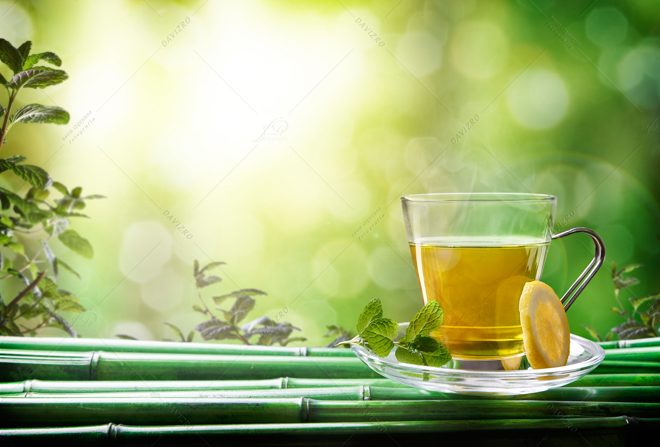 Oriental-green-tea-with-mint-and-lemon-on-bamboo-front