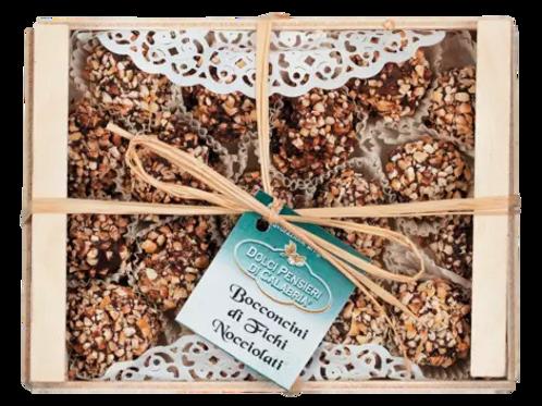 Feigen in Zartbitter-Schokolade und Haselnüssen