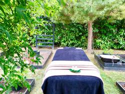 Massage dans le jardin Zen
