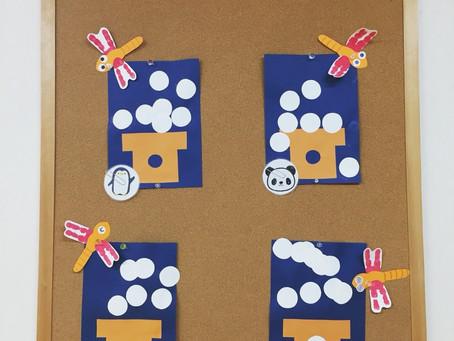 壁面展示(お団子とトンボ、ぶどうとりんご)