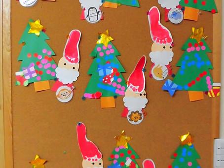 12月の壁面製作(サンタさんとクリスマスツリー)