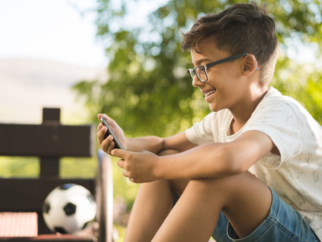 Dynamo survey asks: Just how worried are parents over mobile device use?