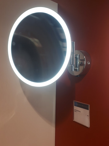 illuminated double arm magnifyer.jpg