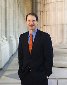 800px-Ron_Wyden_official_photo.jpg