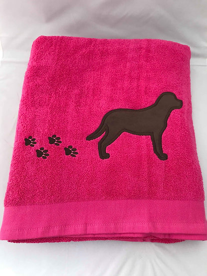 Chocolate Labrador - Pink Bath Towel