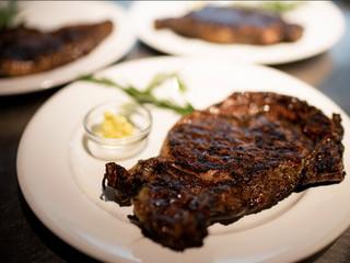 Matthew's Steakhouse