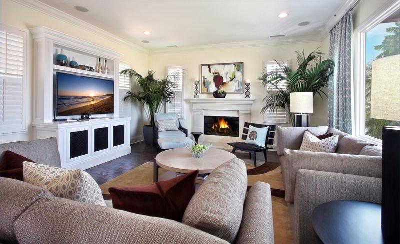 TV-in-the-living-room-25_edited.jpg