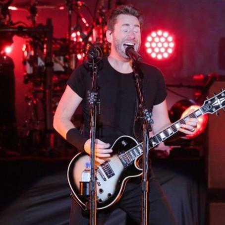Nickelback aposta em hits e simpatia em show em SP