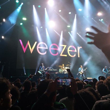 Weezer faz primeiro show no Brasil depois de 14 anos