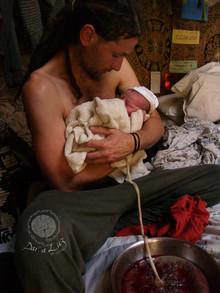 Dar a Luz en Casa Nace Kiba papá, bebé y placenta.jpg