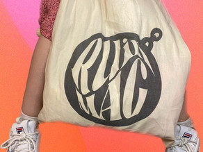 What's in my Hot Girl* Summer Tote Bag