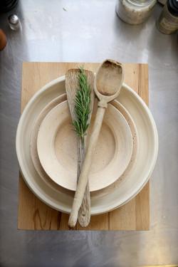 natural gloss and matt dishes